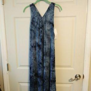 new Liz Lange maternity dress